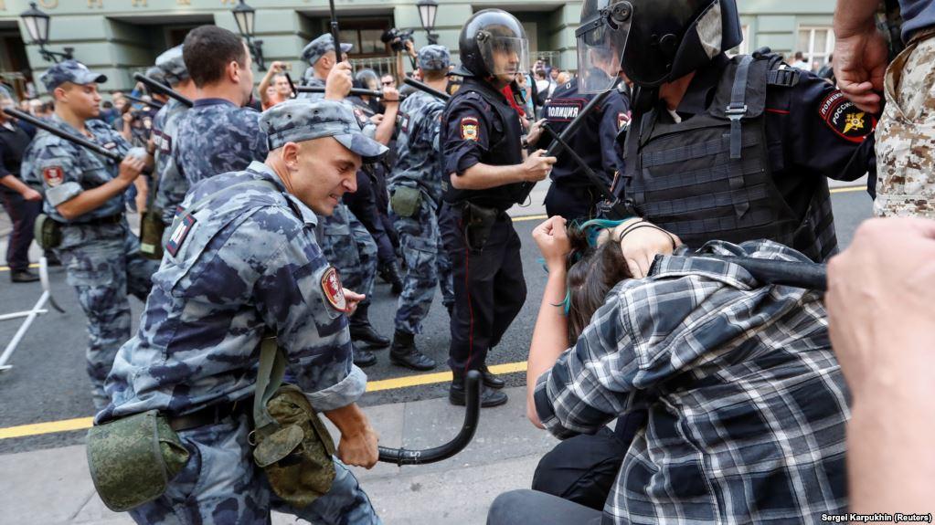 Инфовойна: Внушение ограничений нахождения на улице